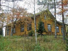 1896 valmistunut Kosulan kansakoulu, nyt asuinkäytössä