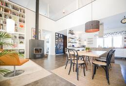 Olohuone ja keittiö / Vardagsrum och kök