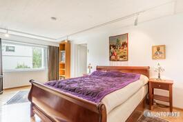 alakerran makuuhuone (3)