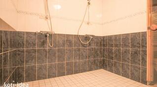 Tyylikäs kylpyhuone