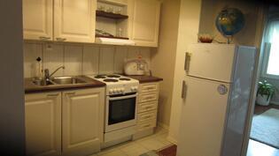 Yläkerrassa myös pieni keittiö