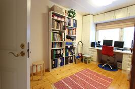 Huone 7 (yläkerrassa)