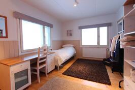 Huone 4 (yläkerrassa)