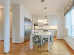 Moderni laadukas keittiö
