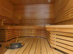 Upea muotoiltu saunaosasto