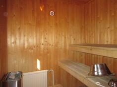 ... sauna sekä tosiaan ...