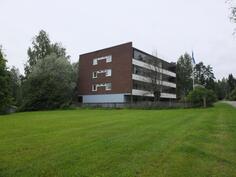 Taloyhtiö sijaitsee rauhallisella paikalla Haapamäen keskustassa.Sovi esittelyaika puh. 050 5945260