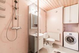 Tyylikas kylpyhuone / Stiligt badrum