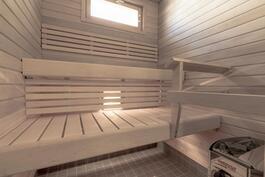 uudessa saunassa hyvä löylytelllä