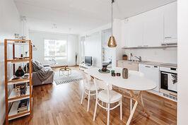 Sarfvikin Ukonhatun keittiö - olohuone as. A26