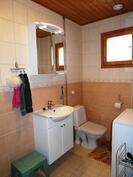 Pesutiloissa myös wc