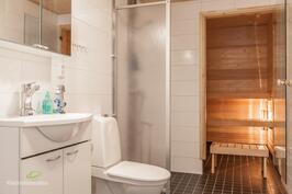Siisti kylpyhuone