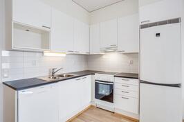 Asunnon A37 keittiö