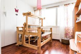 asuinkerroksen makuuhuone 2