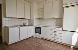 Vaalea kookas keittiö