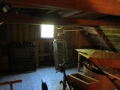 Piharakennuksen yläkerran säilytystilaa