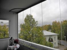 Näkymiä lasitetulta parvekkeelta