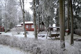 Punainen talo Mäkipellontien päässä