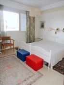 Makuuhuone 2 (jossa myös vaatehuone)