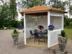 japanilaisen puutarhan teehuone