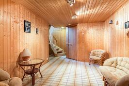 Kellarikerroksen sauna- ja oleskelutilat