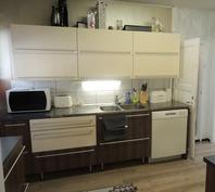 Keittiön kaapistot uusittu.
