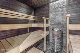 Upea vastakkainistuttava löylyhuone rentouttaviin lämpöihin ja nautintoihin