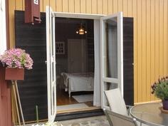 makuuhuoneen ikkunapariovet