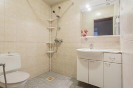 Asunto 1 kylpyhuone