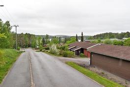 rauhallinen alue, rivitaloja ja ok-taloja