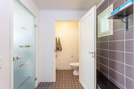 Kylppärissä erillinen wc