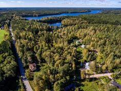 Iso Simi ja Pikku Simi järvet lähellä / Iso Simi och Pikku Simi sjöarna nära