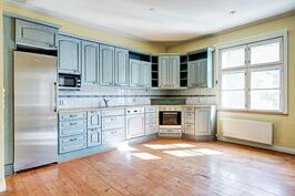 talonpoikaistyylinen keittiö