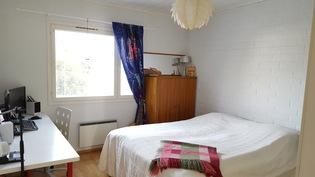 1. makuuhuone (suurin)