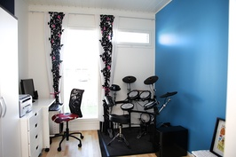 Makuuhuone 3 - Kolmannessa makuuhuoneessa on hyvin tilaa esim. työskentely tai harrastustilaksi