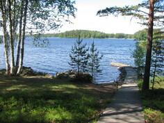 Uimalaituri ja uimaranta