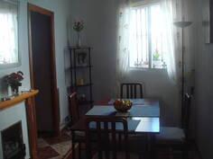 ruokailuhuone alakerrassa