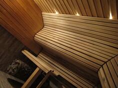 Taloyhtiön perinteinen sauna.