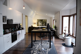 Keittö ja olohuone