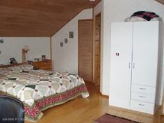 yläkerran makuuhuone itään