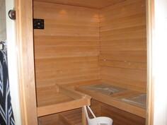 Omassa sauna  hyvät löylyt vuolukivikiukaasta.