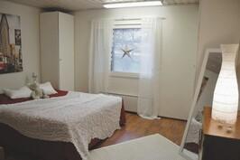 Makuuhuone työ- / vapaa-ajan tiloissa