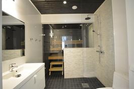 Esimerkkikuva tyylistä valmiista kohteestamme naapurissa. 2. krs WC+su+sa. Kylppärikin muokattavissa