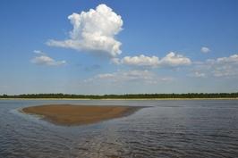 mökkiranta matalan veden aikaan kesällä