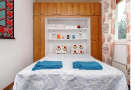 Makuuoneita 2kpl + yläkerran makuuhuone