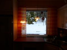 Keittiö talvimaisemalla