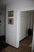 Olohuone-makuuhuoneen oviaukko