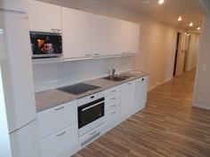 Uusi koneellistettu keittiö