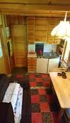korkeatasoinen erilinen yksiö, jossa oma sisäänkäynti, keittiö, kylpyhuone ja parvi
