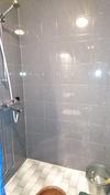 yksiön suihku